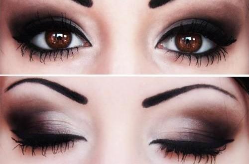 Maquillaje difuminado en los ojos.